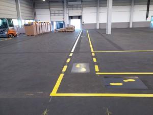 Hallen- und Fußwegmarkierung für die Firma Mubea Fahrwerksfedern GmbH in Weißensee (Thüringen)