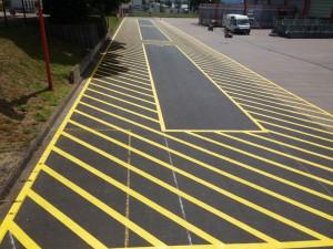 Sicherheitsmarkierung für Ladezone bei Wicona in Gerstungen