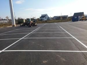 Parkplatzmarkierung bei Firma Loesdau in Lehrte